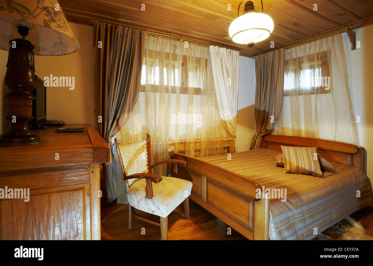 hotel style bedroom furniture. Bedroom With Old Style Wooden Furniture, Hotel Room Interior Furniture