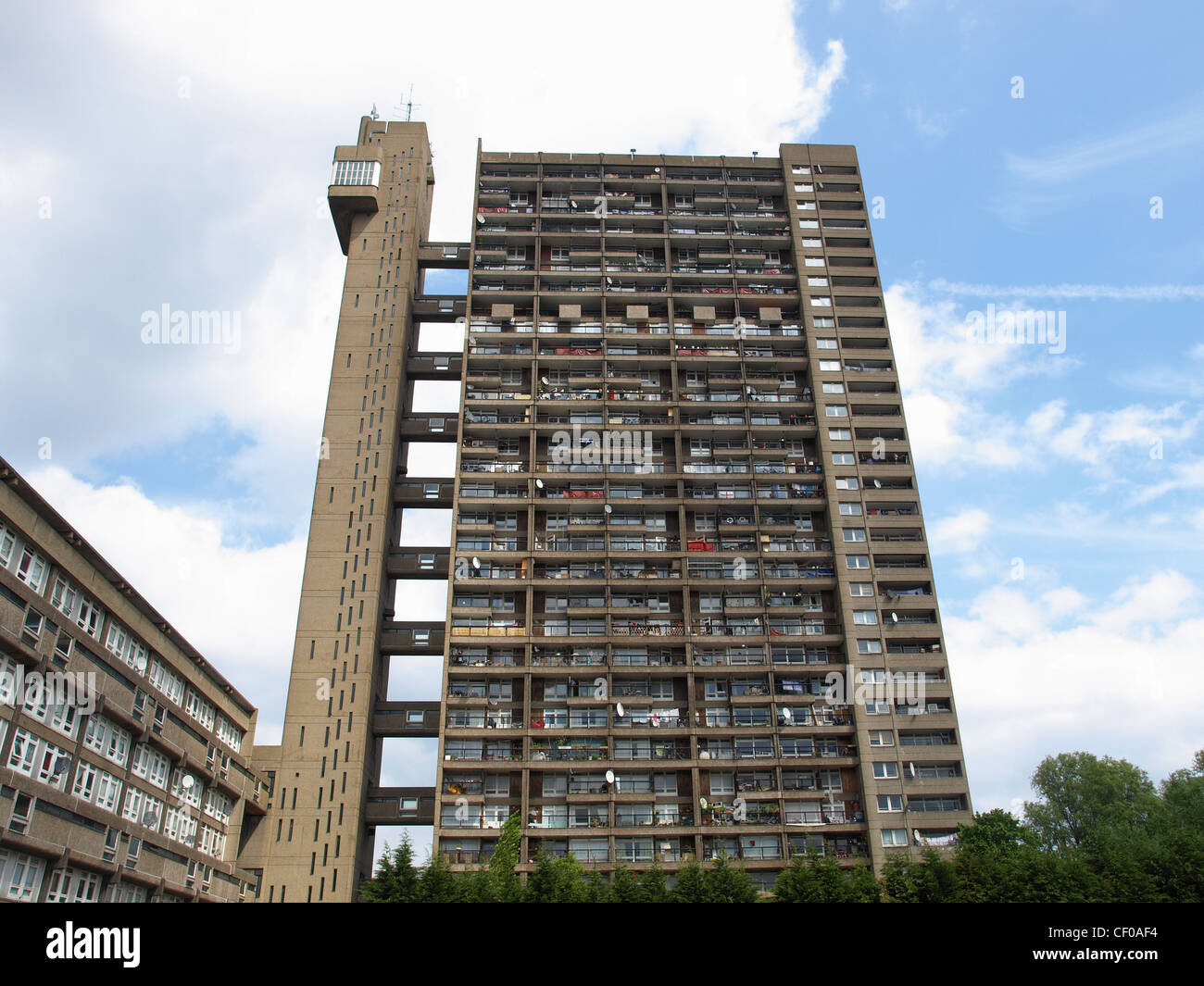 Trellick tower iconic new brutalist architecture in london for Architecture brutaliste