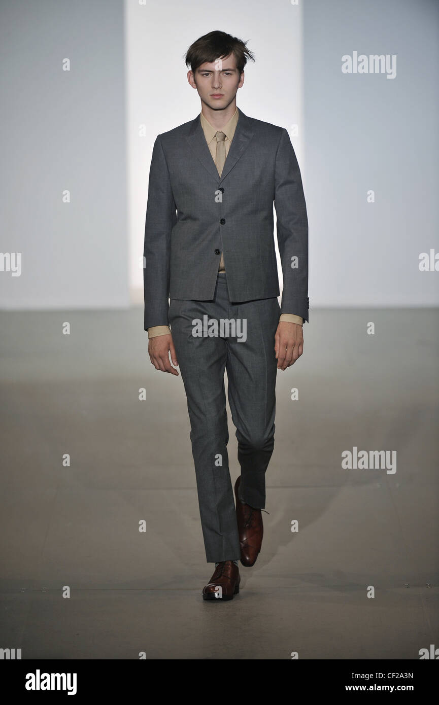 Marni Milan Ready To Wear Spring Summer Model Wearing A Grey Suit ...