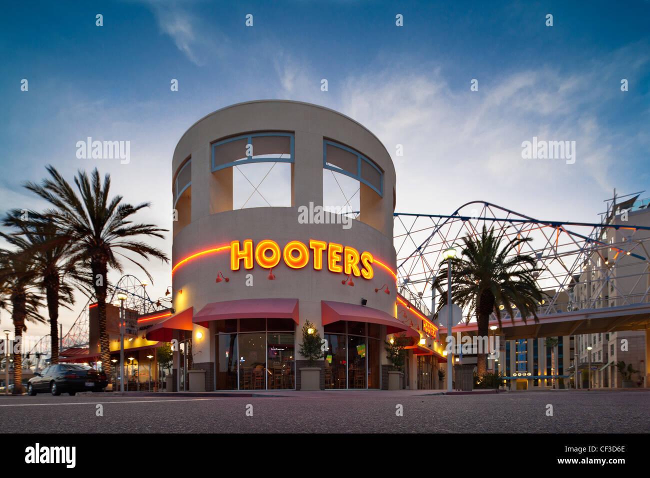 Hooters Aquarium Way Long Beach Ca