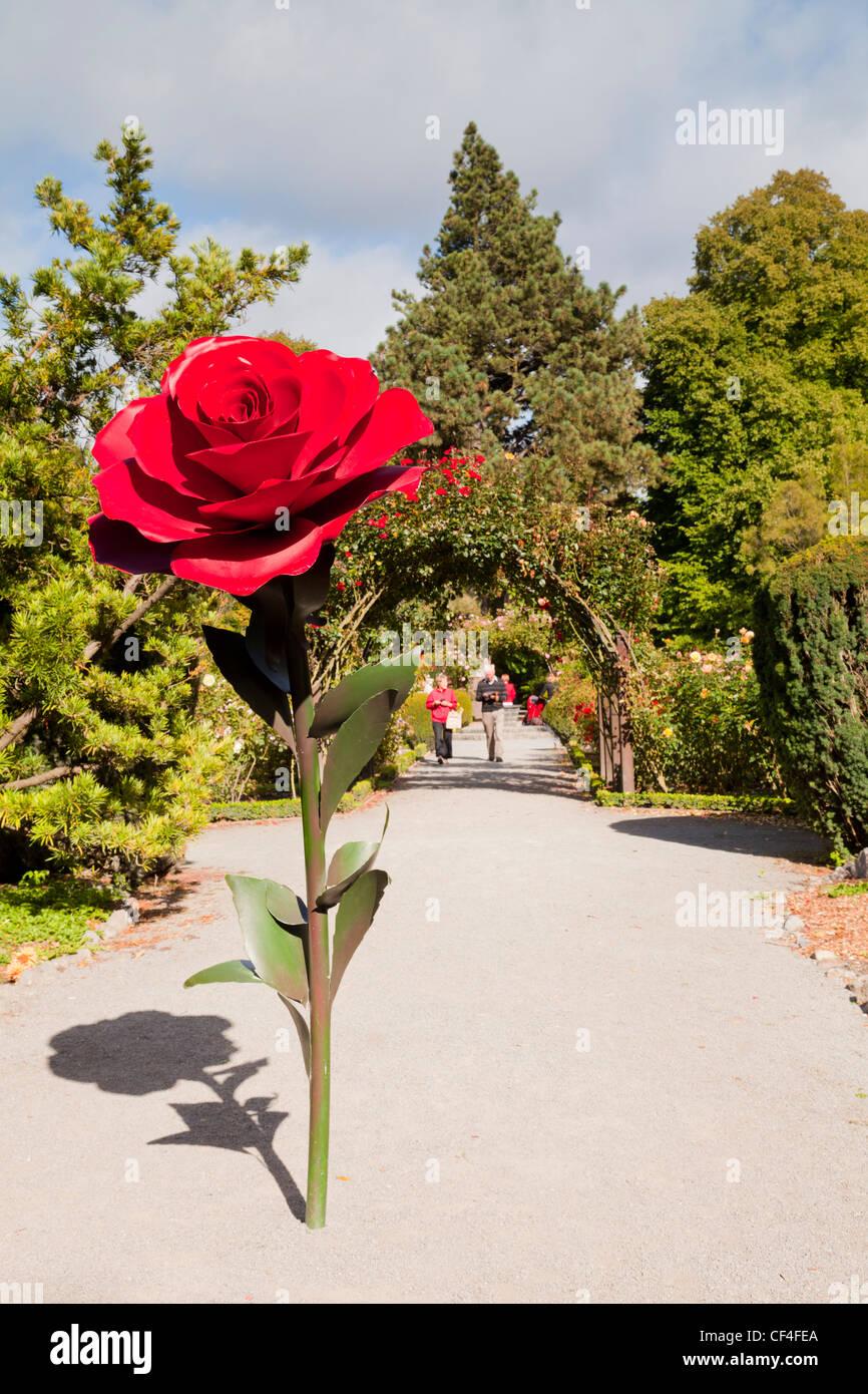 Entrance To Portland Rose Gardens : Rose sculpture at the entrance to garden