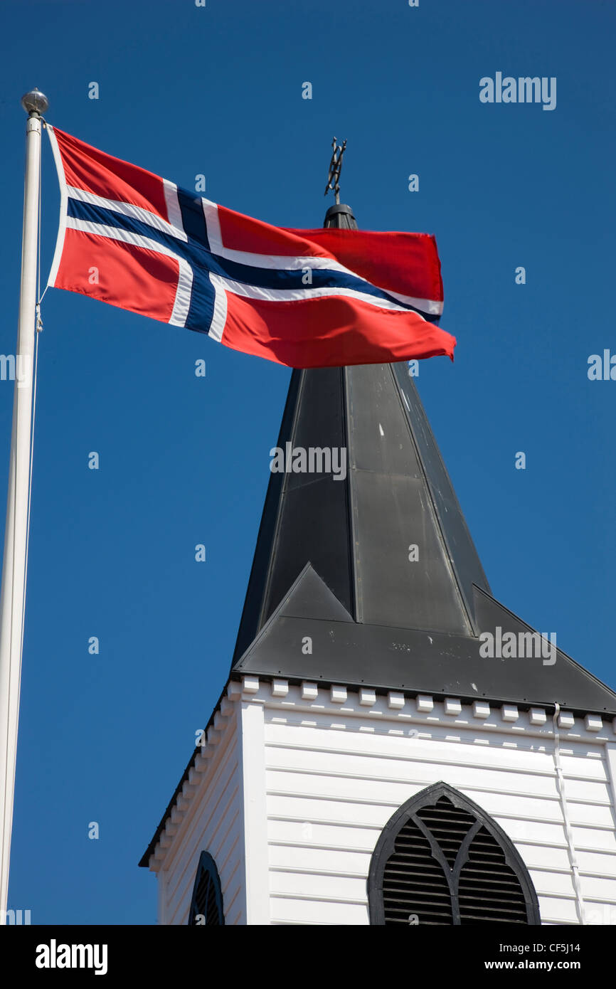 the norwegian church and norwegian flag in cardiff bay cardiff