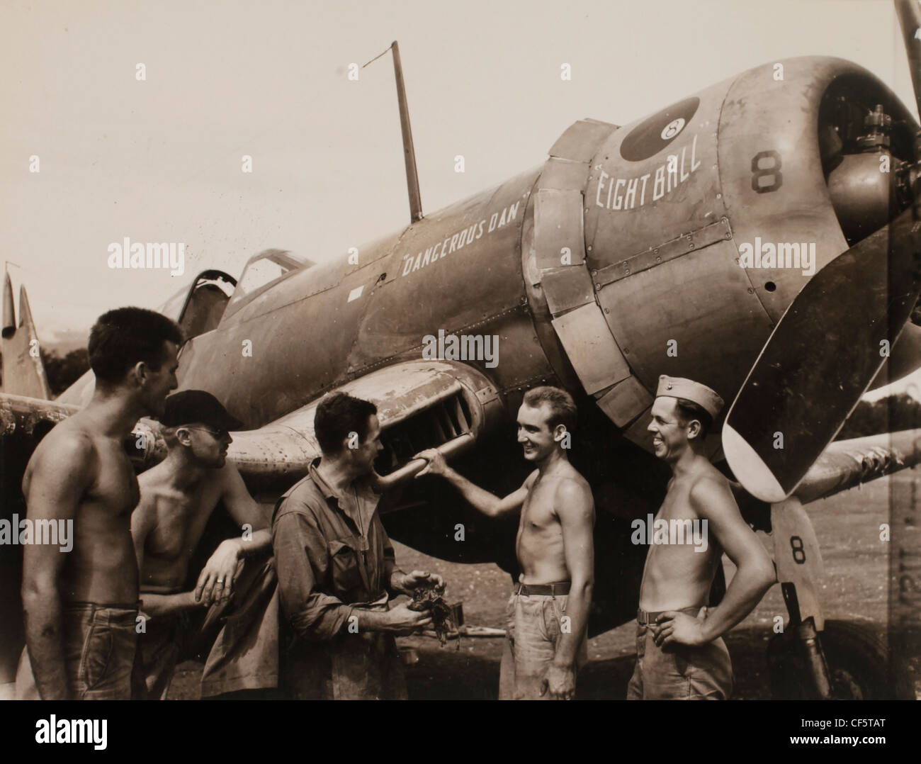 US Marine Corps WWII Pacific Campaign: in a spare moment several ...