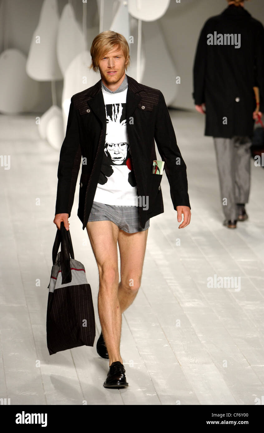 Black t shirt grey pants - Antonio Marras Milan Menswear S S Male Wearing Black Blazer Over Andy Warhol Portrait T Shirt Grey Hot Pants Carrying Black