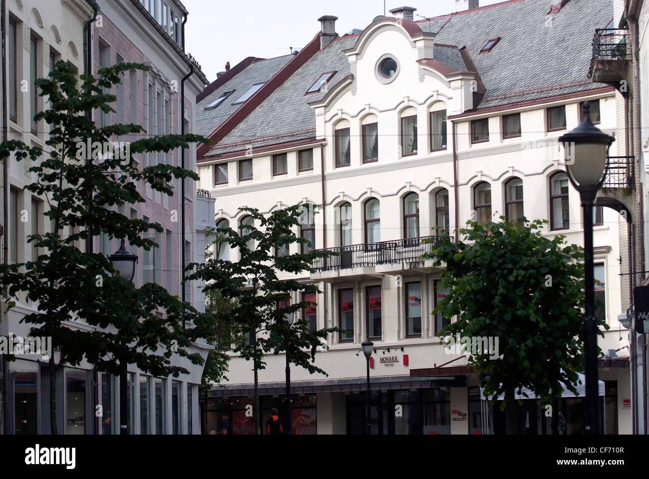 Norway alesund art nouveau town on the north sea art for Architecture art nouveau