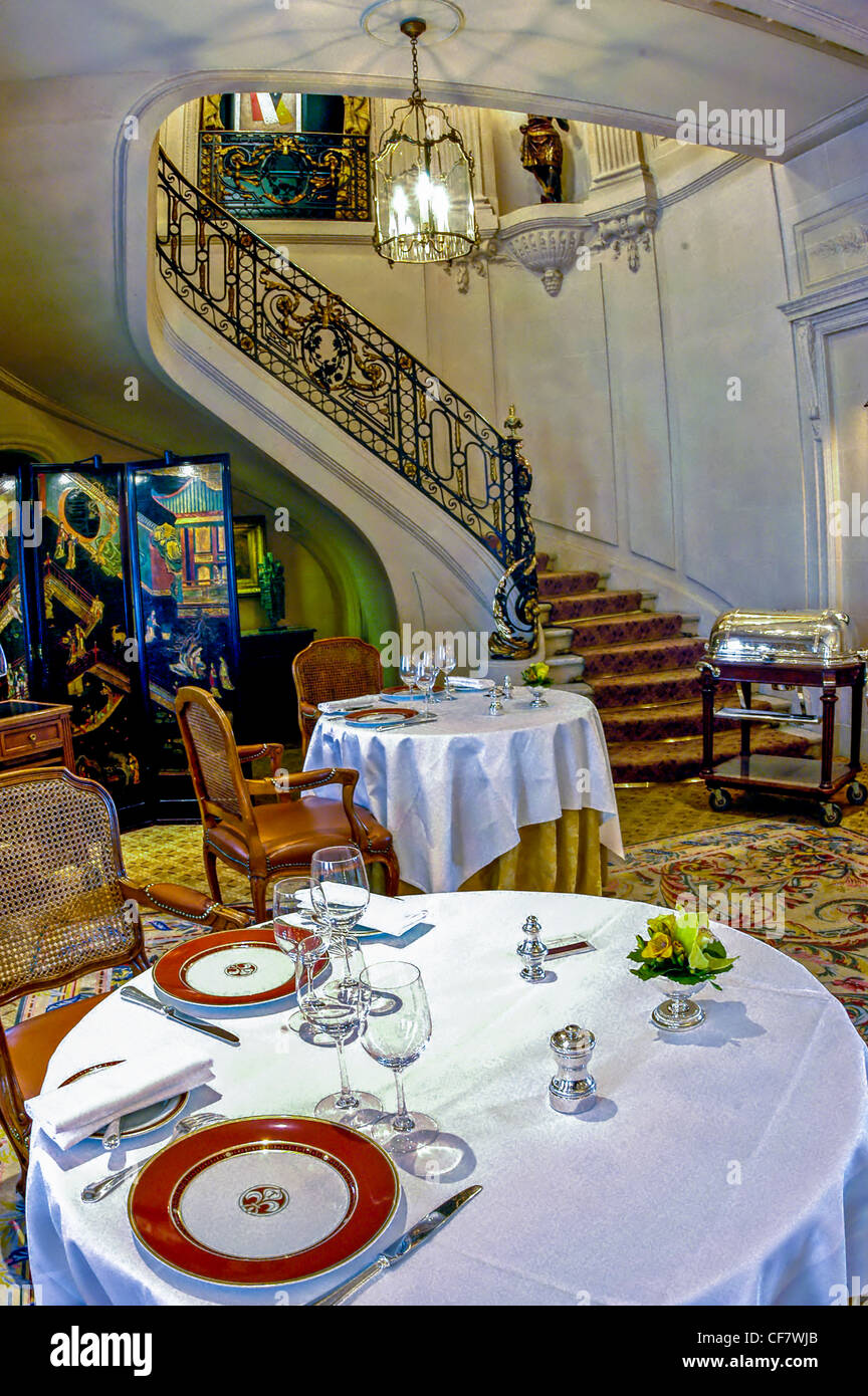 Fancy restaurant table setting - Paris France Haute Cuisine French Fancy Restaurant Taillevent Table Settings In Dining Room Interior Design Staircase