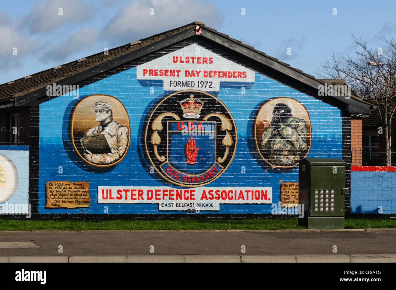 Loyalist murals at freedom corner newtownards road for Mural in belfast