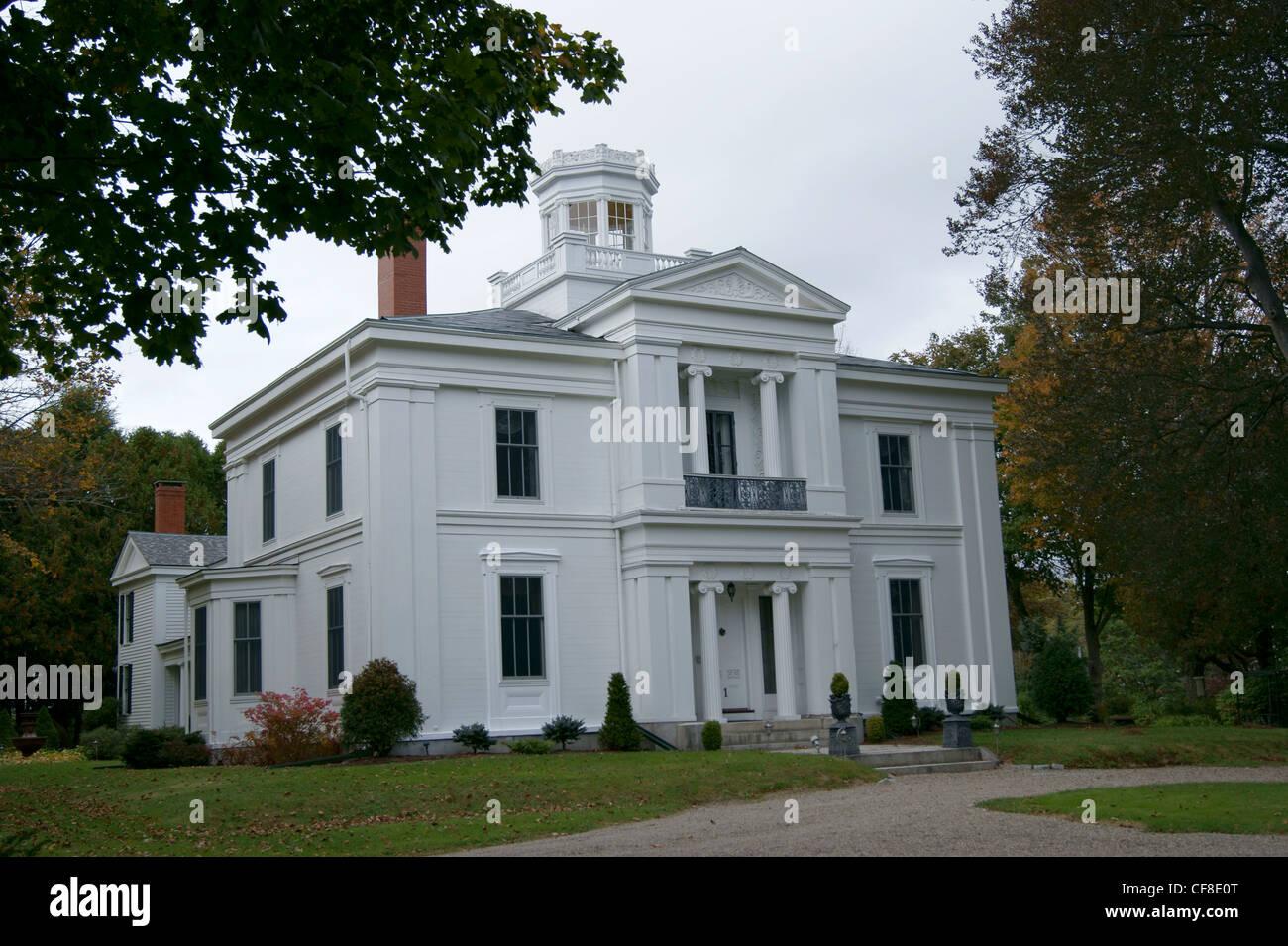 the white house inn greek revival house on the national. Black Bedroom Furniture Sets. Home Design Ideas
