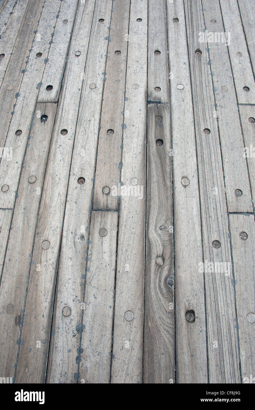 Teak wood deck on the battleship uss missouri pearl for Timber decking thickness