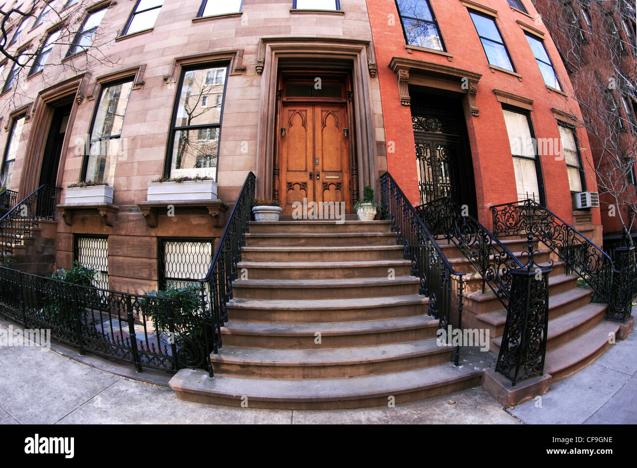 Brownstone apartments on Willow St. Brooklyn Heights New York City ...