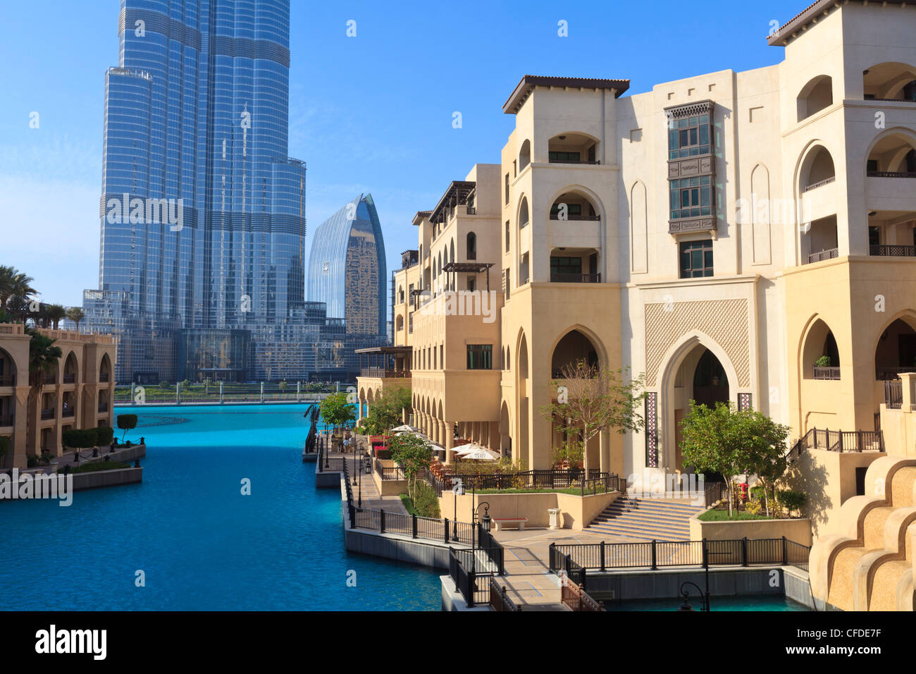The palace hotel and burj khalifa downtown dubai united for Best hotels in downtown dubai