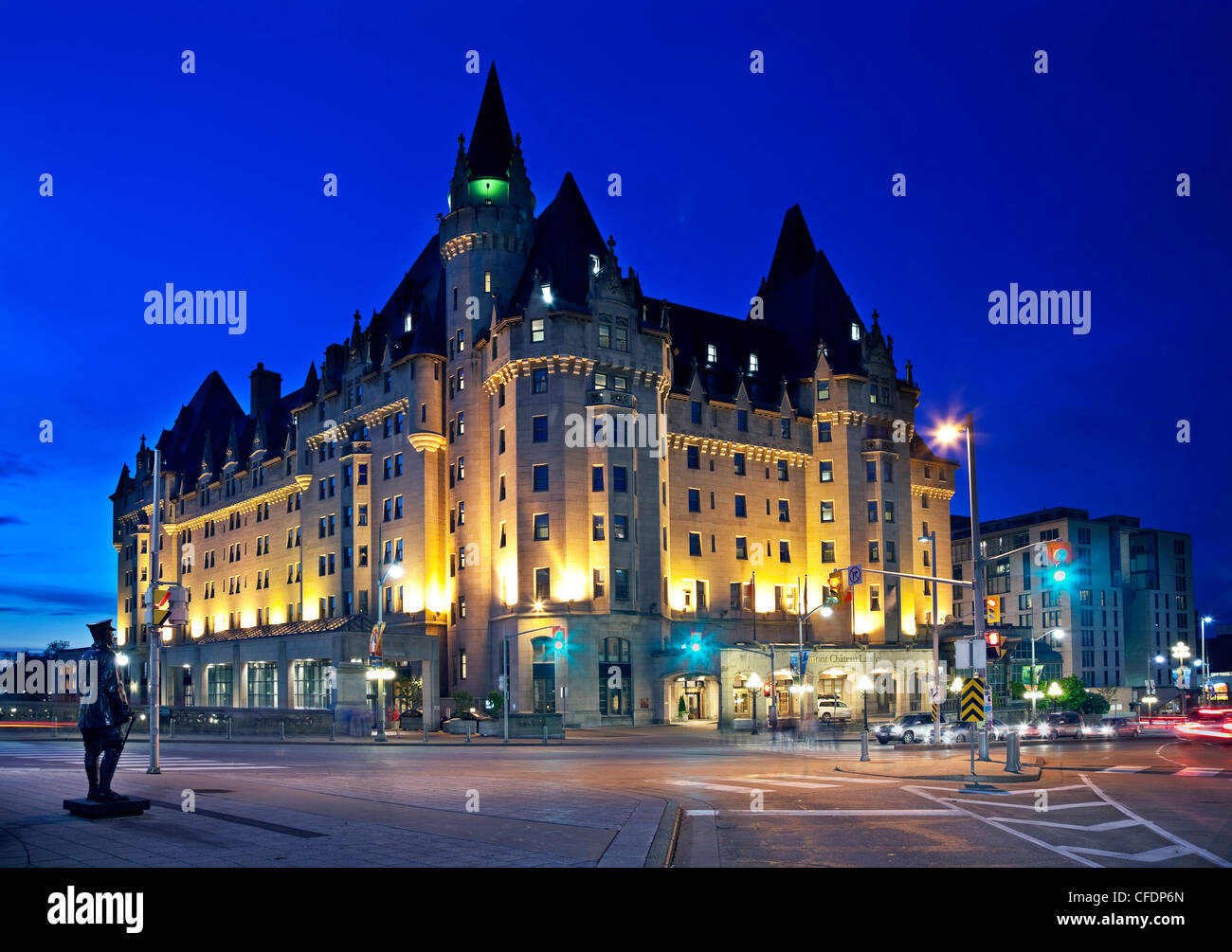 fairmont chateau laurier hotel in downtown ottawa ontario. Black Bedroom Furniture Sets. Home Design Ideas