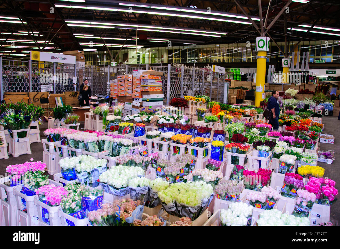 Covent garden flower market interior small 2 - New Covent Garden Market Wholesale Market Displays Of Fruit Flowers Vegetables
