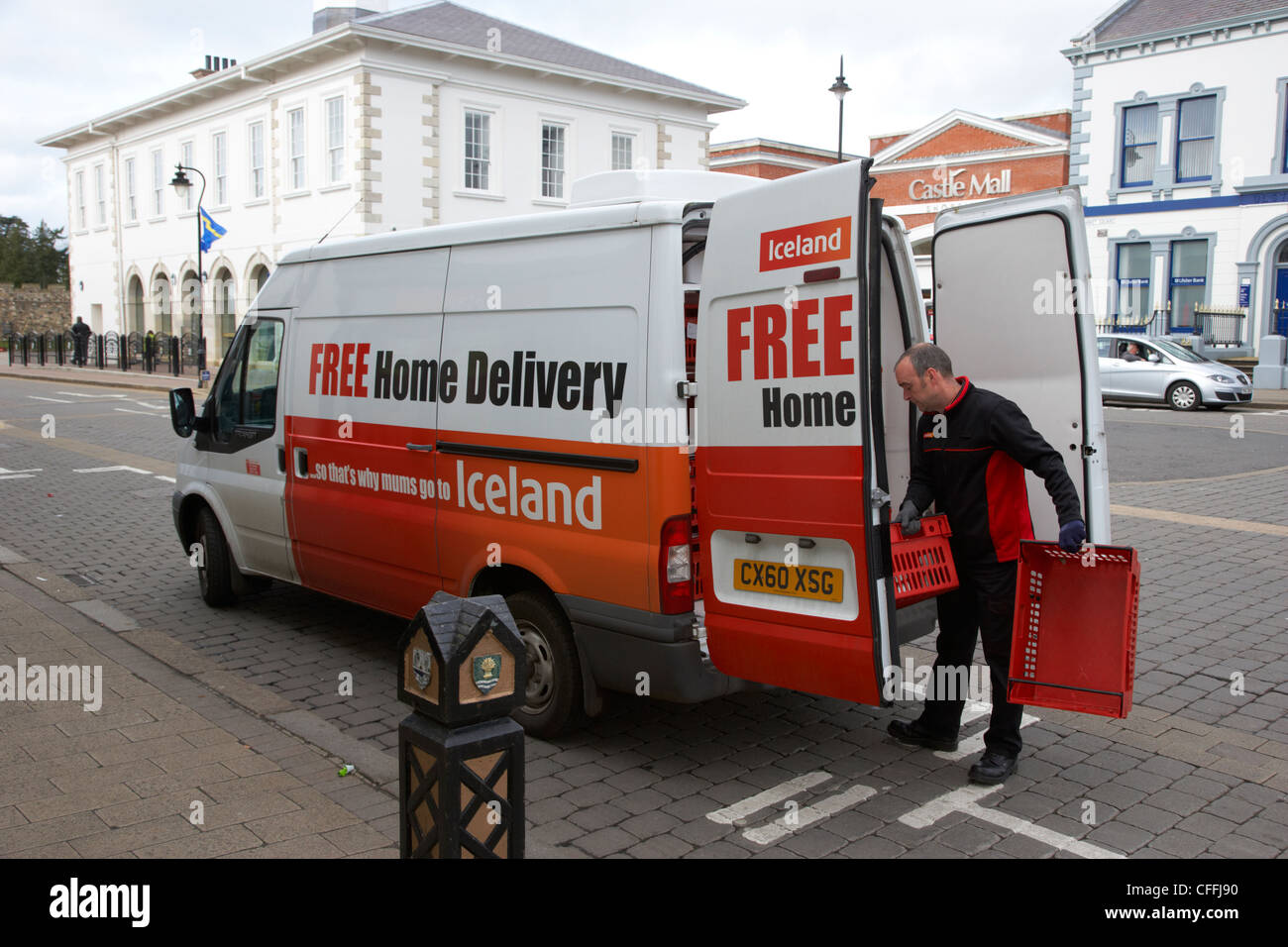 iceland supermarket Iceland foods's top competitors are tesco, waitrose and argos see iceland foods's revenue, employees, and funding info on owler, the world's largest community-based business insights platform.