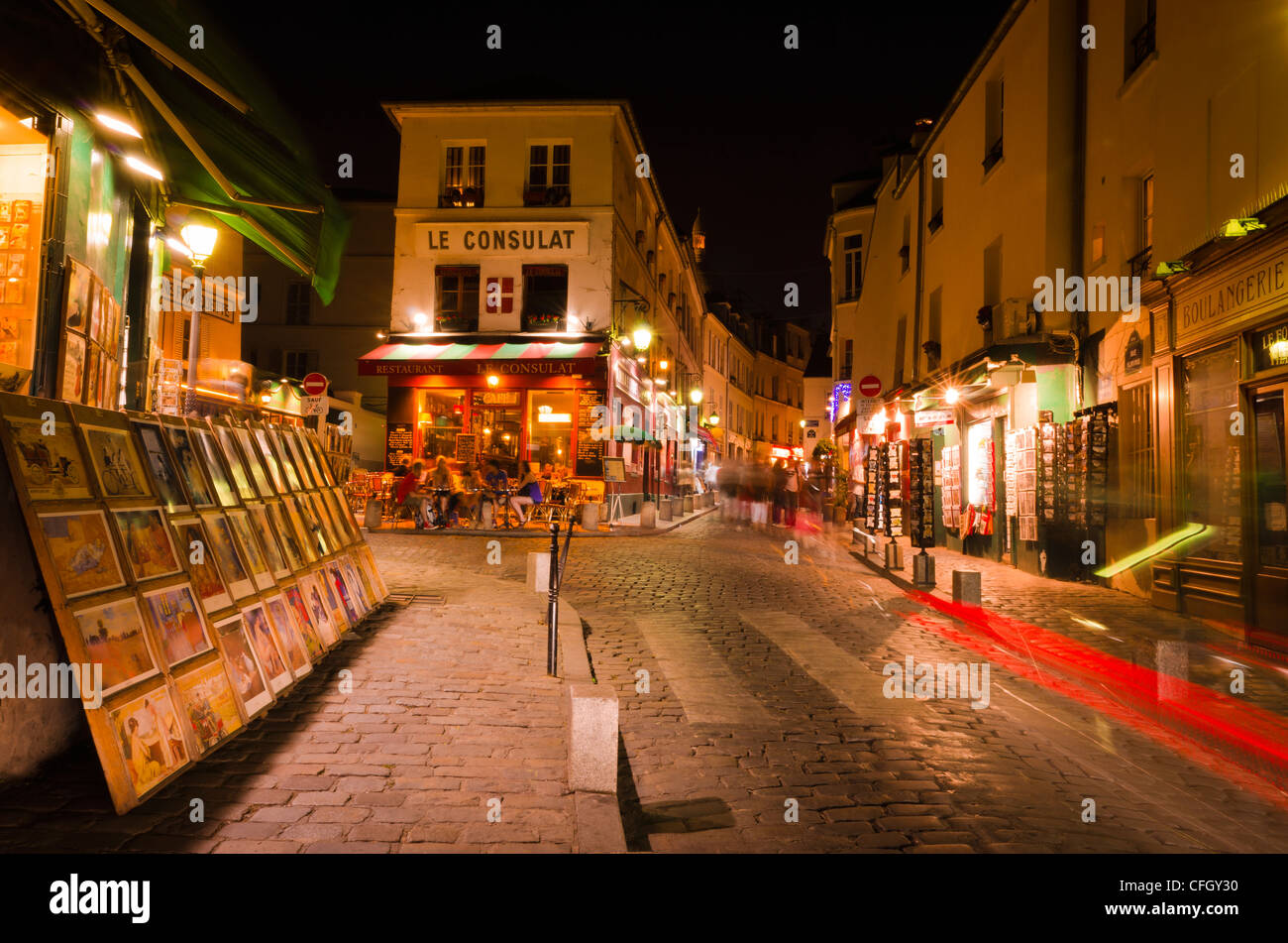 Le consulat restaurant montmartre paris france stock for Le miroir restaurant montmartre