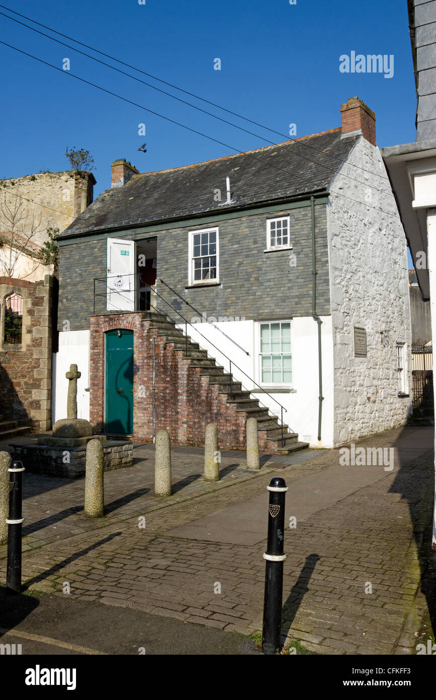 Murdoch House in Redruth where William Murdoch the inventor of coal gas lighting and the Murdoch Flyer once lived & Murdoch House in Redruth where William Murdoch the inventor of ... azcodes.com