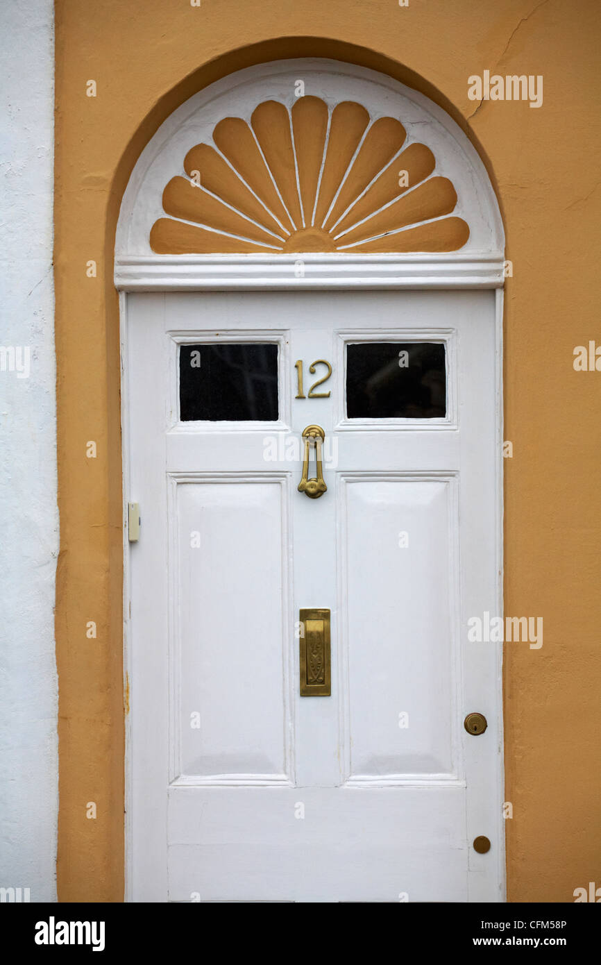 House number 12 at Weymouth - white door contrasting with yellow walls of house & House number 12 at Weymouth - white door contrasting with yellow ... pezcame.com