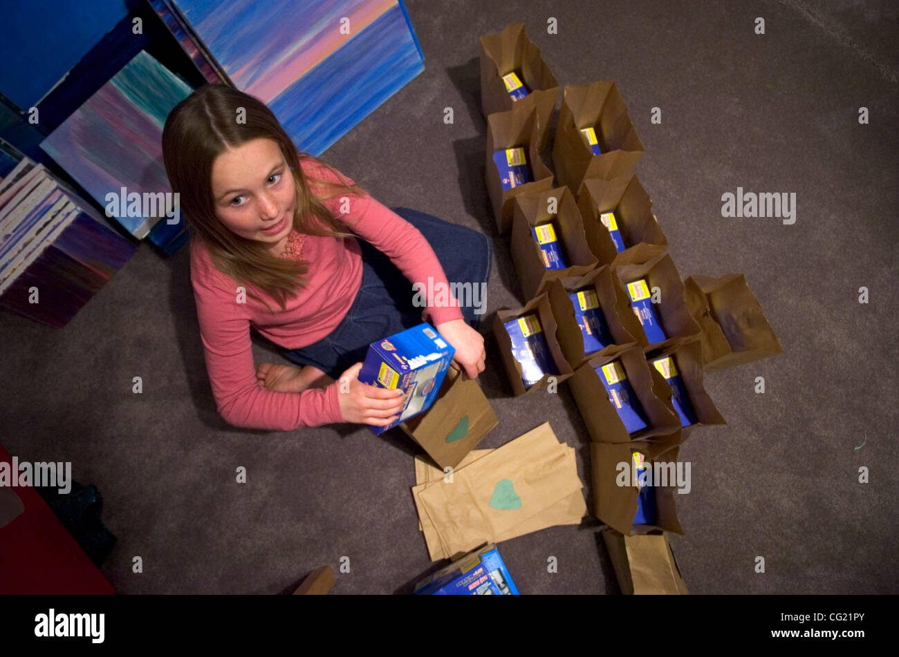 Isabella Powers Packs Valentine Gifts For Her Third Grade ...   Isabella  Valentine Free
