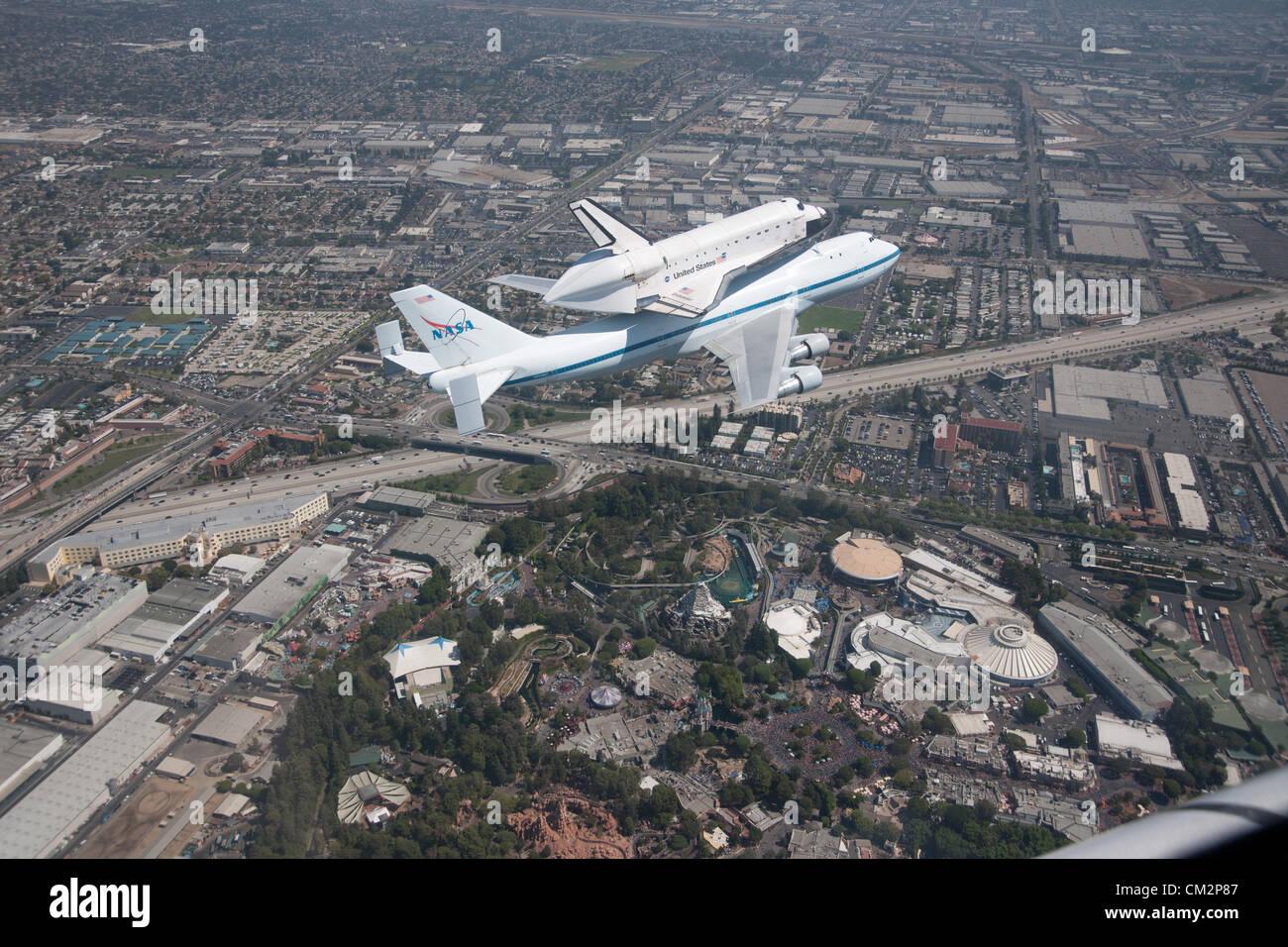 NASA Shuttle Carrier Aircraft carrying space shuttle ...