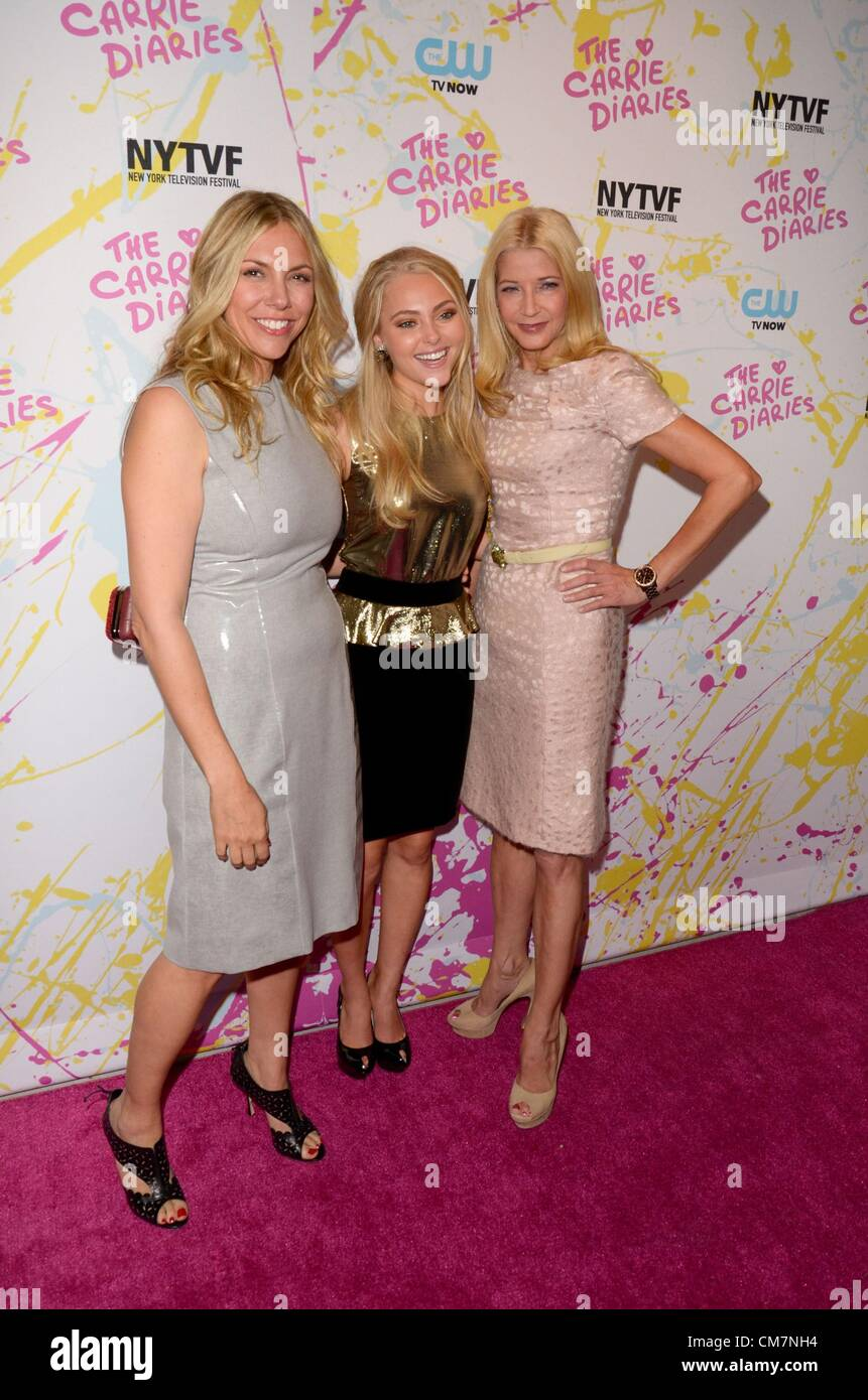 Candace Bushnell Amy B Harris Annasophia Robb Candace Bushnell At Arrivals For