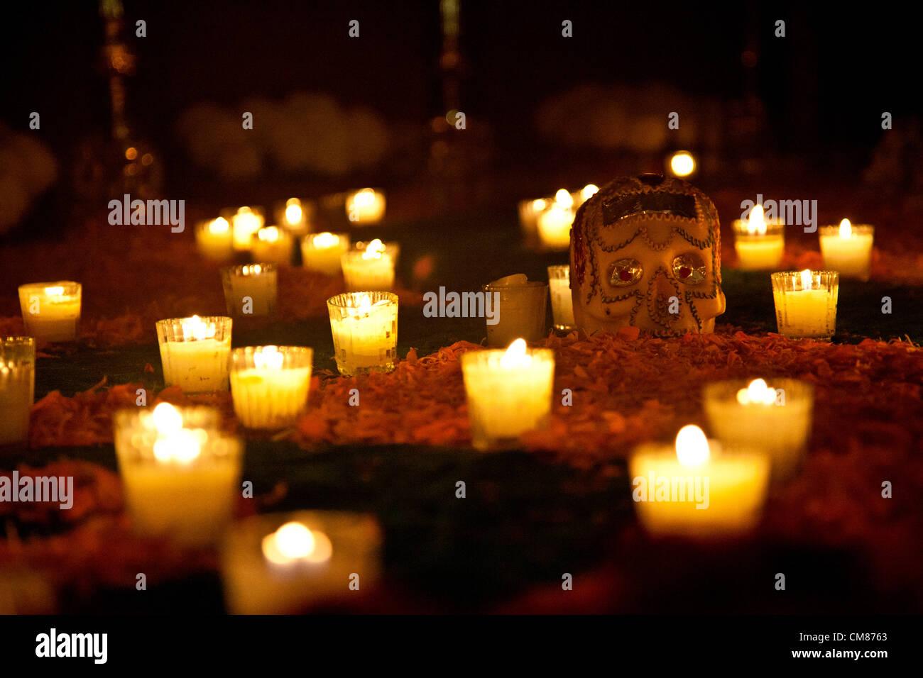 Ofrenda - Altar offering - Detail Of calavera (skull) and ...