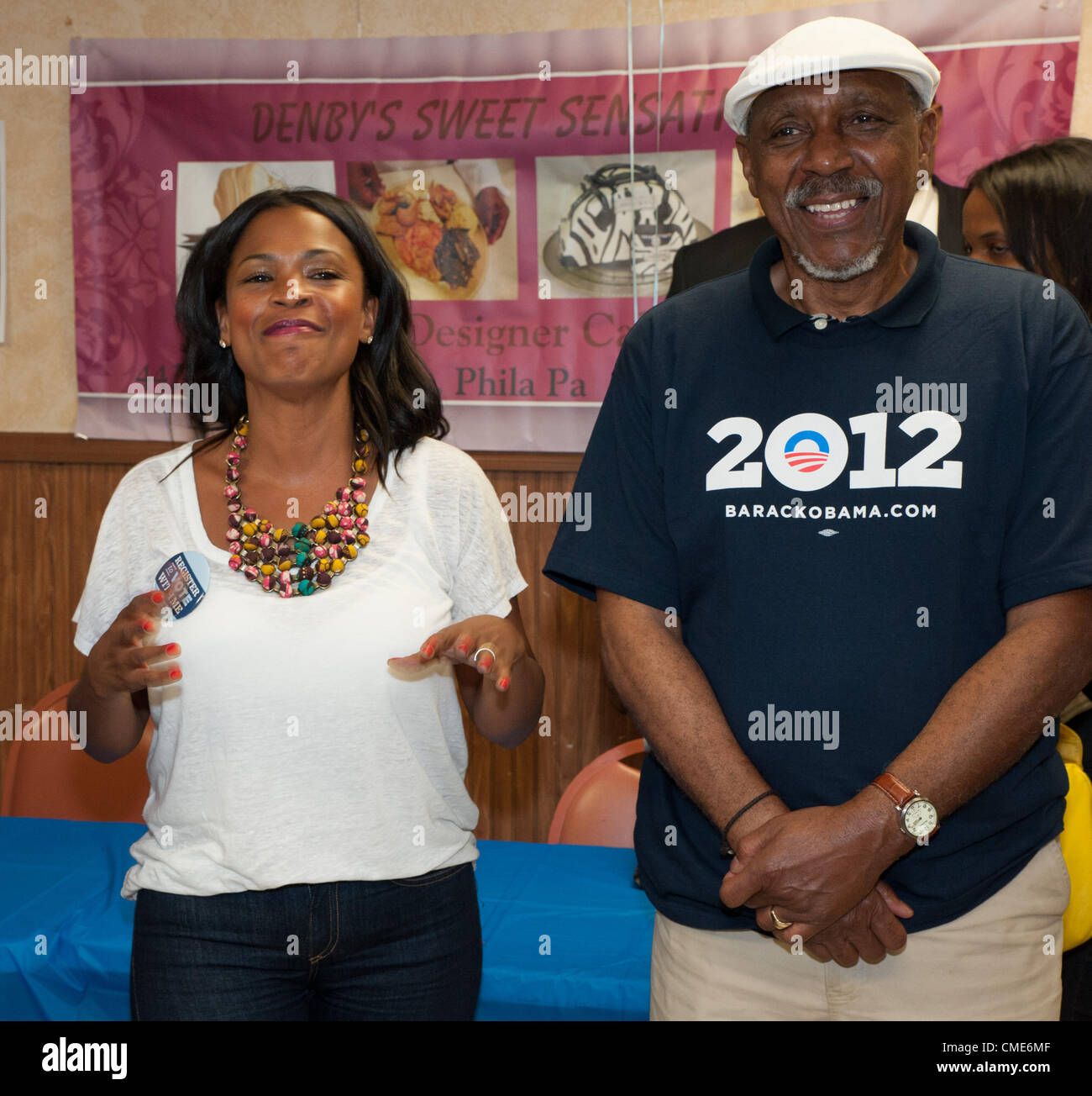 July 28, 2012 - Actress, NIA LONG, at Denby's Restaurant with her Stock Photo: 47026463 - Alamy