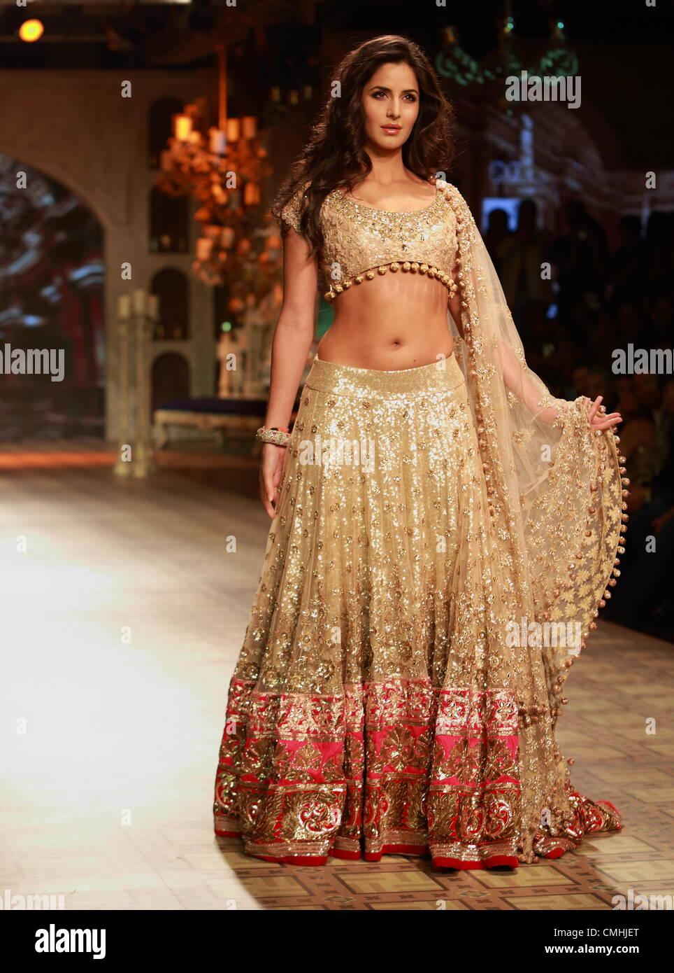 Katrina kaif at delhi couture week 2017 manish malhotra fashion show