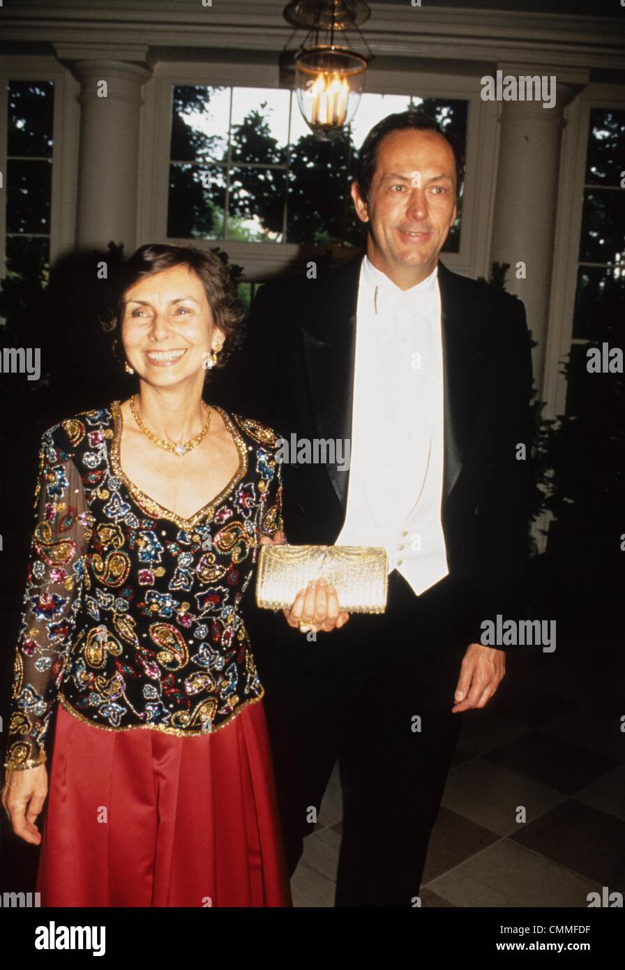 BILL BRADLEY with wife 1994 l8599jkel Credit Image © James M