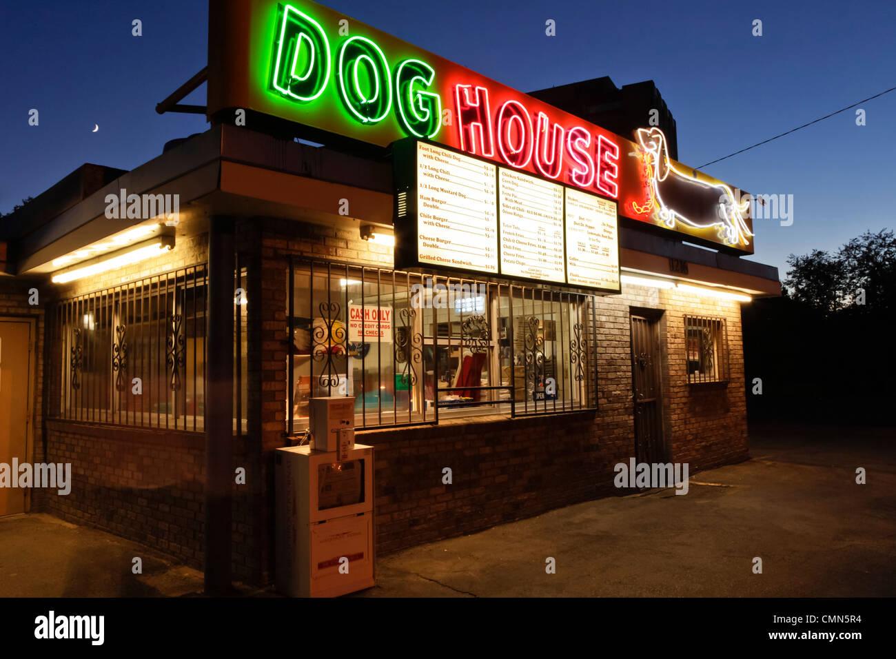 Albuquerque new mexico united states route 66 dog for Dog house albuquerque