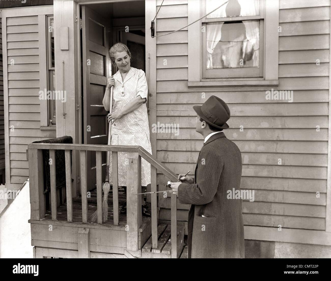 1940s 1930s MAN DOOR-TO-DOOR SALESMAN TALKING WOMAN TO HOUSEWIFE ...