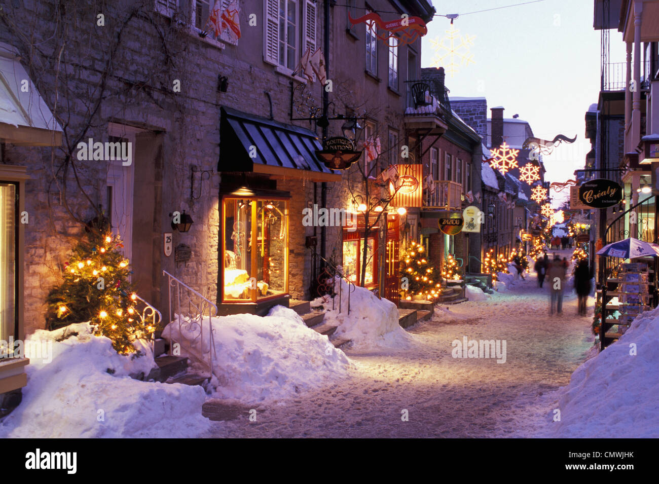 Rue du petit champlain at dusk in winter with christmas for Decoration quebec