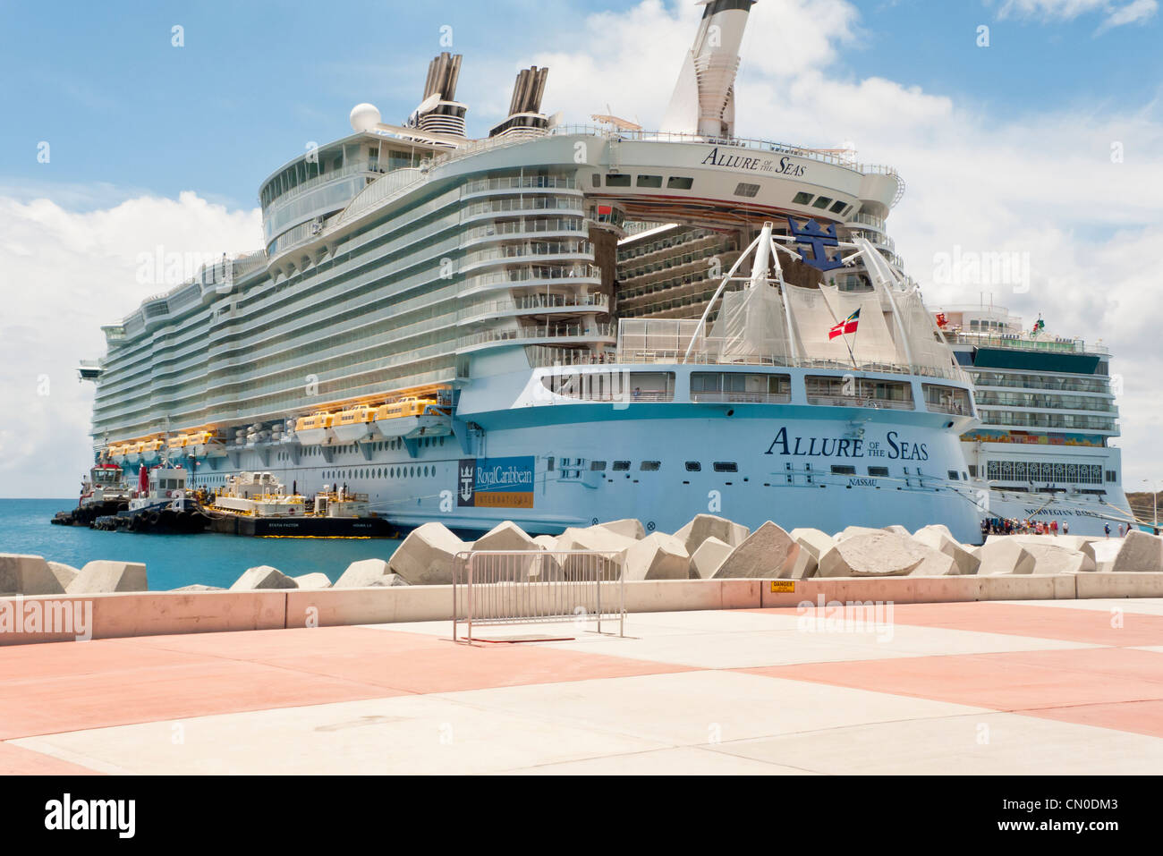 The Stern Of The Largest Cruise Ship In The World The Allure Of - Allure cruise ship