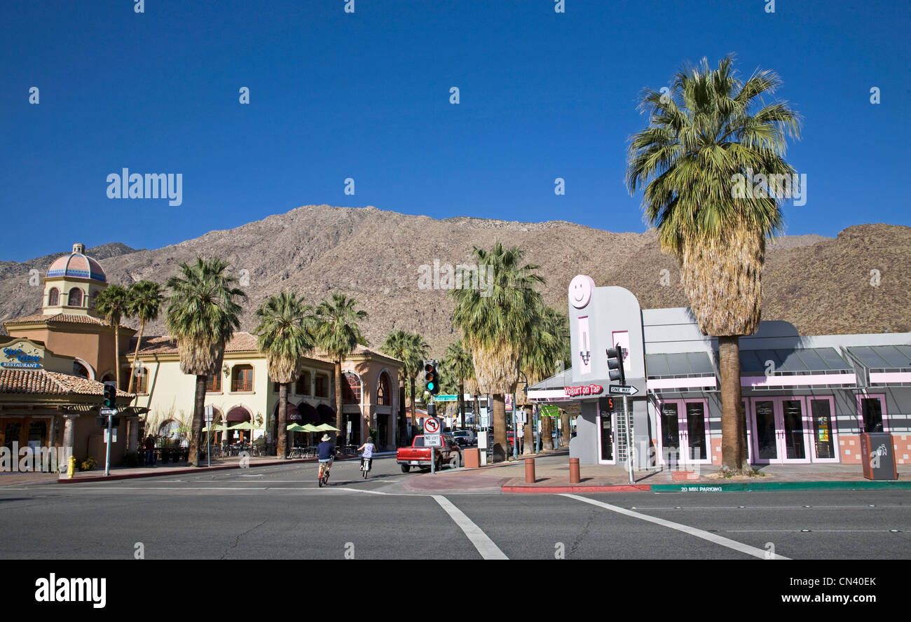 Downtown palm springs california on indian canyon drive for Shopping in palm springs ca