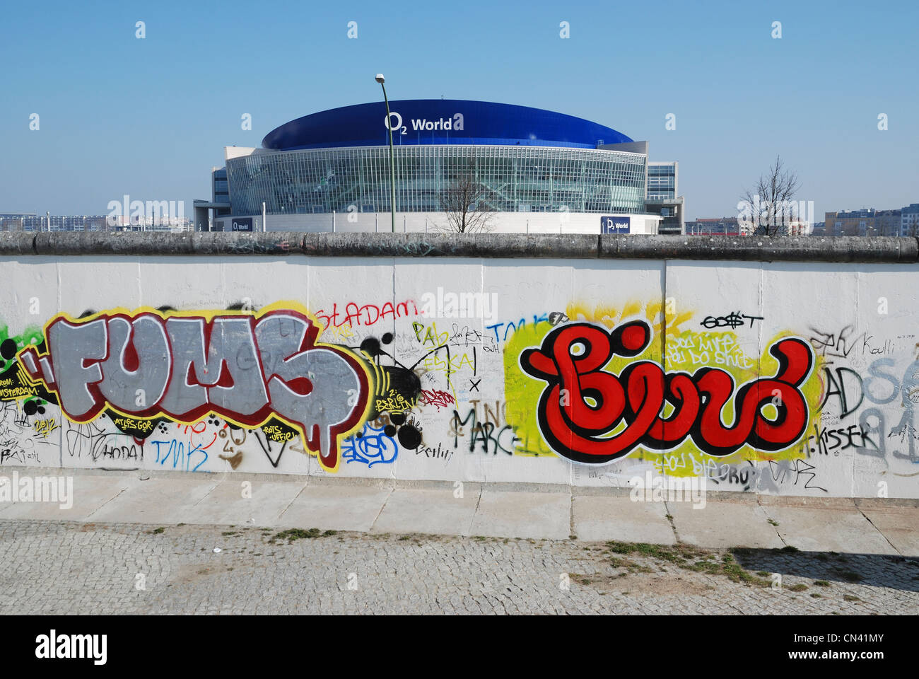 Grafiti wall berlin - Stock Photo The Graffiti Covered Western Side Of The Berlin Wall At The East Side Gallery With The O2 World Arena In The Background