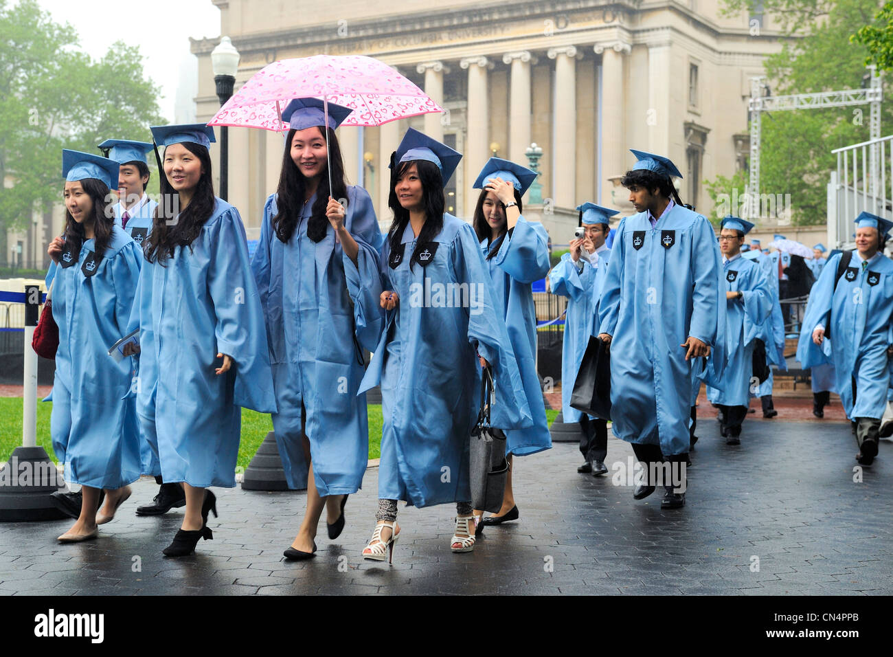 Funky Uncg Cap And Gown Image Collection - Wedding and flowers ...