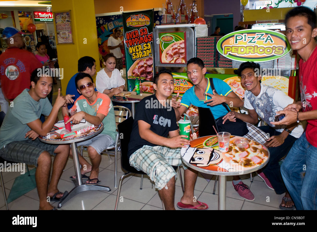Young People Dining In Elizabeth Mall Cebu City Philippines Stock Photo Royalty Free Image