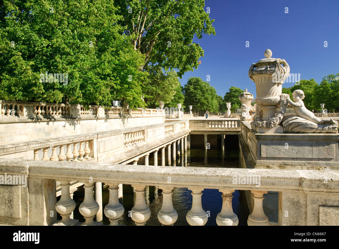 Jardins de la fontaine nimes gard languedoc roussillon france stock photo royalty free image - Jardin de la fontaine nimes limoges ...