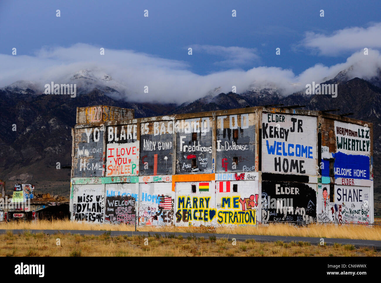 Graffiti on abandoned building along Interstate 15 in ...