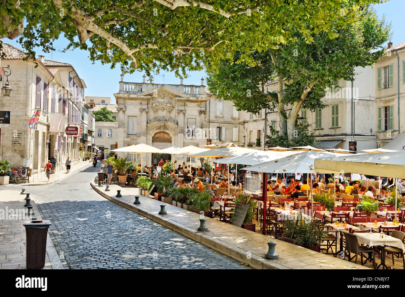 france vaucluse avignon place crillon cafe terrace in the shade stock photo royalty free. Black Bedroom Furniture Sets. Home Design Ideas