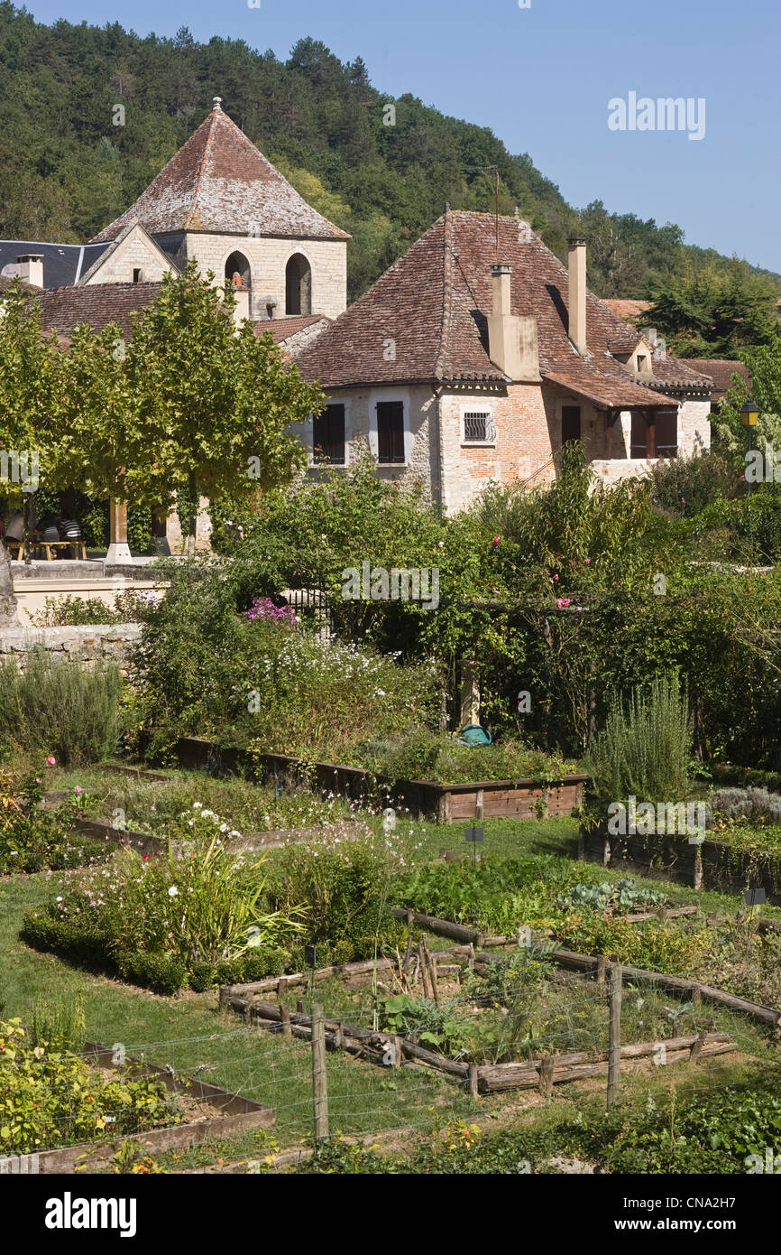 France lot castelfranc le jardin des sens the church for Jardin des sens