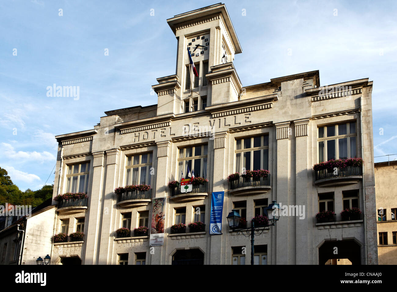 France creuse aubusson town hall with art deco style for Art decoration france