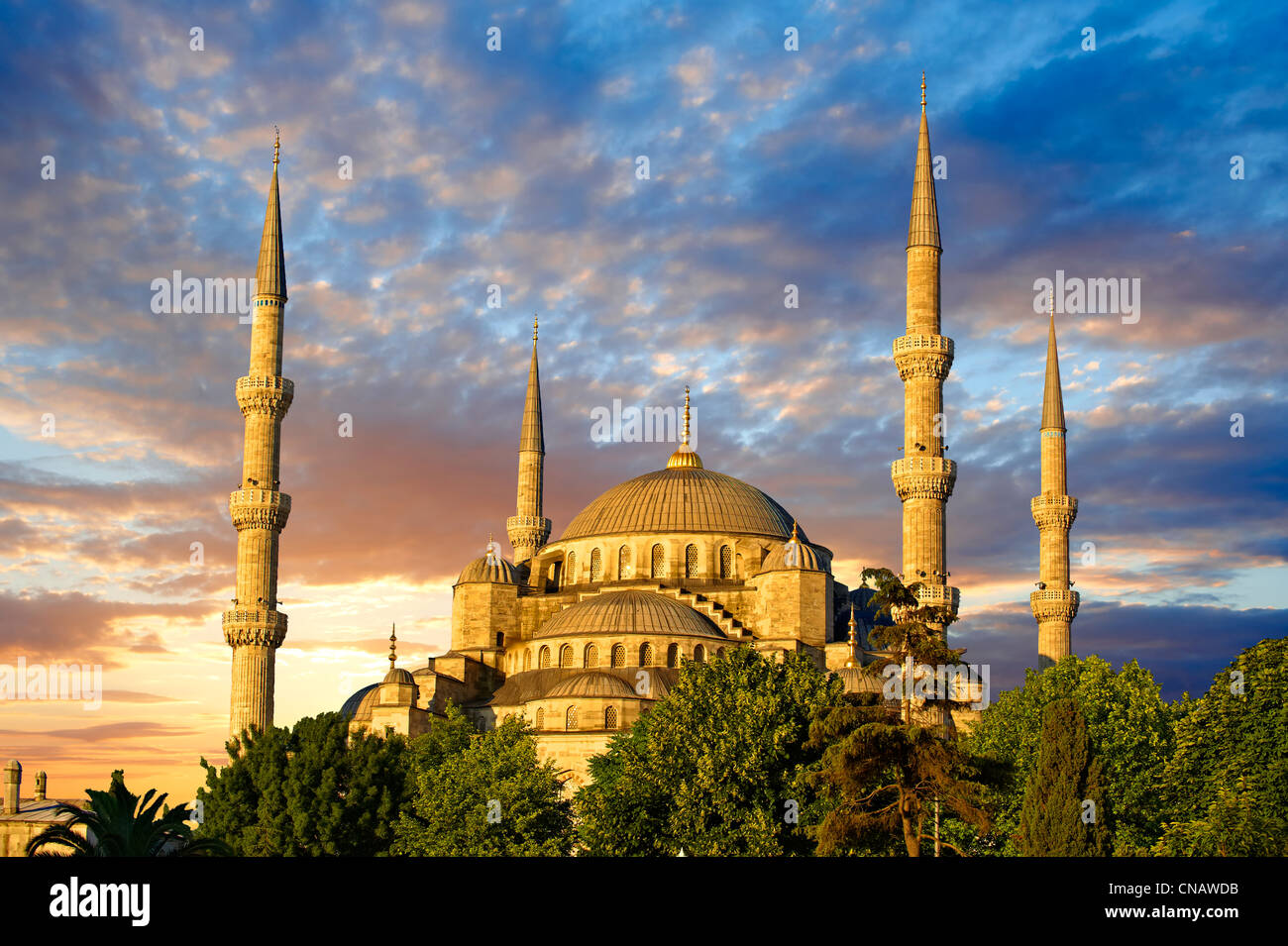 Sunset over the Sultan Ahmed Mosque (Sultanahmet Camii) or ...