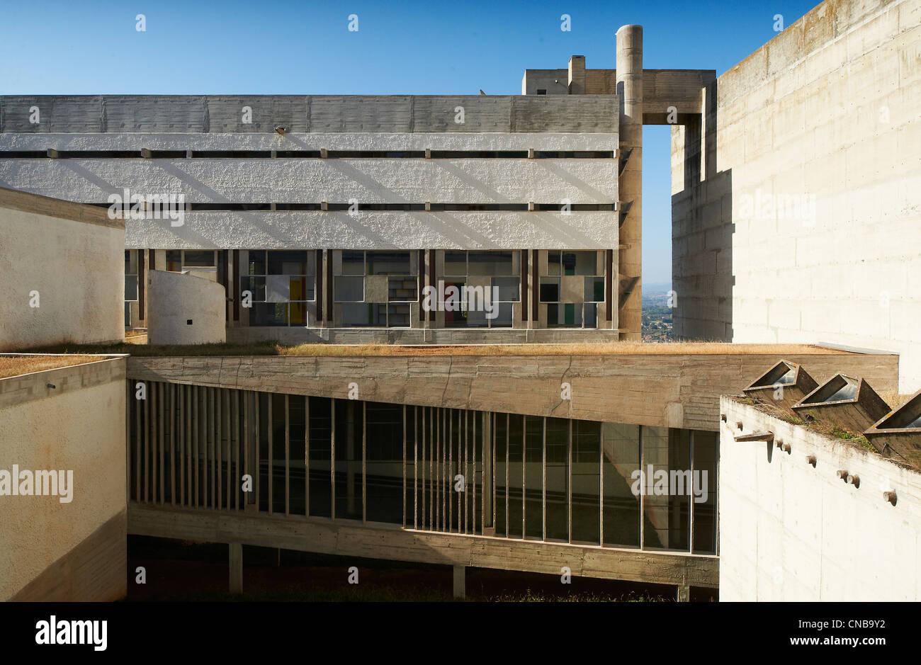 france rhone eveux sur abresle sainte marie de la tourette convent built by le corbusier in