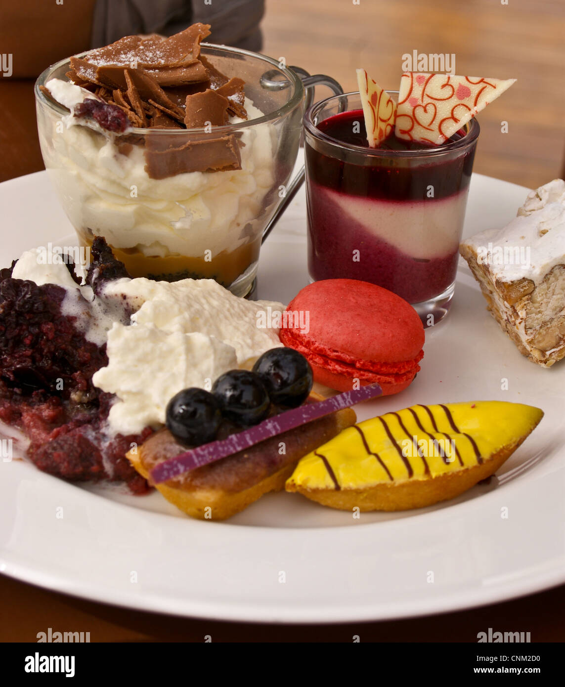 cakes-pastries-dessert-at-friday-brunch-