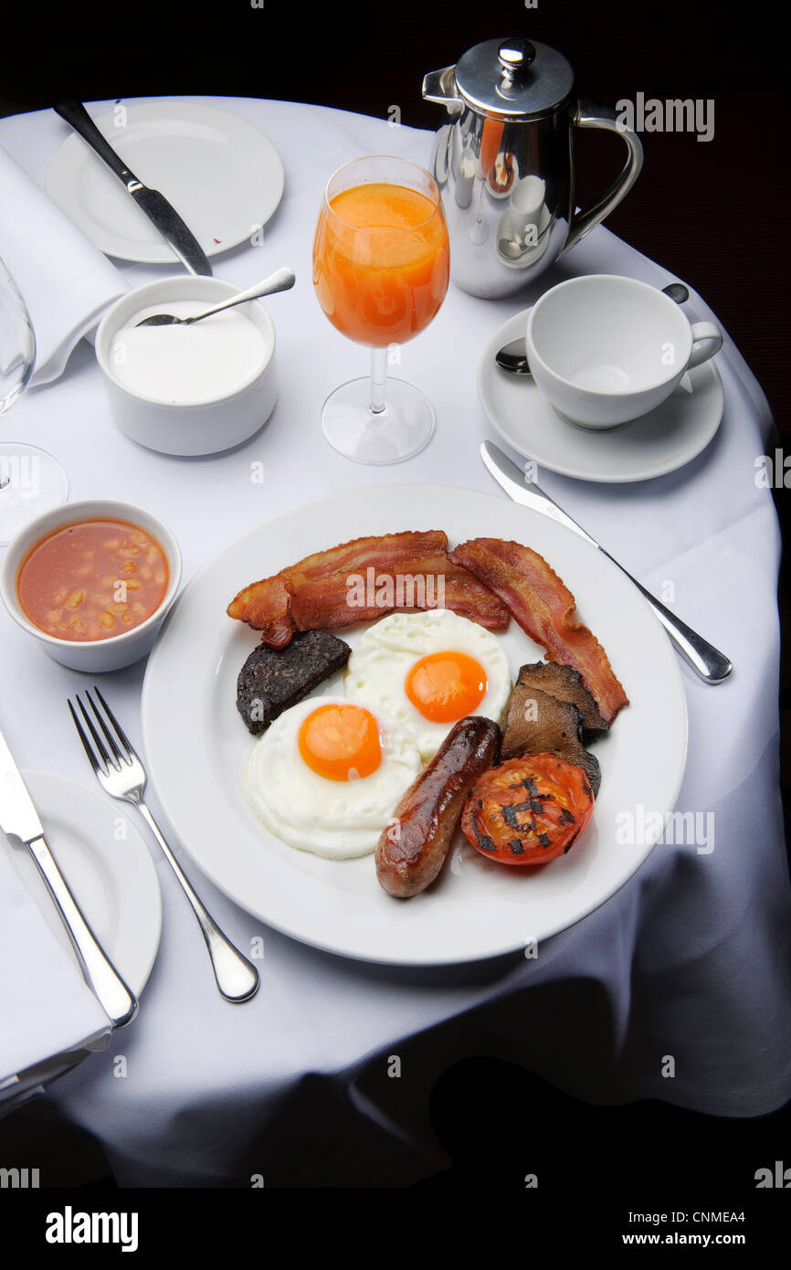 Full English Breakfast Bacon And Eggs Fry-up In Restaurant Healthy ...
