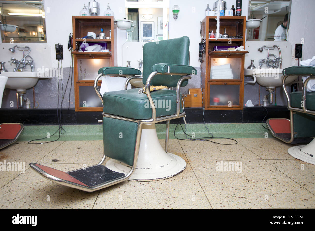 Vintage barber shop chairs - A Vintage Barbers Chair In Barber Shop In Dublin Stock Image
