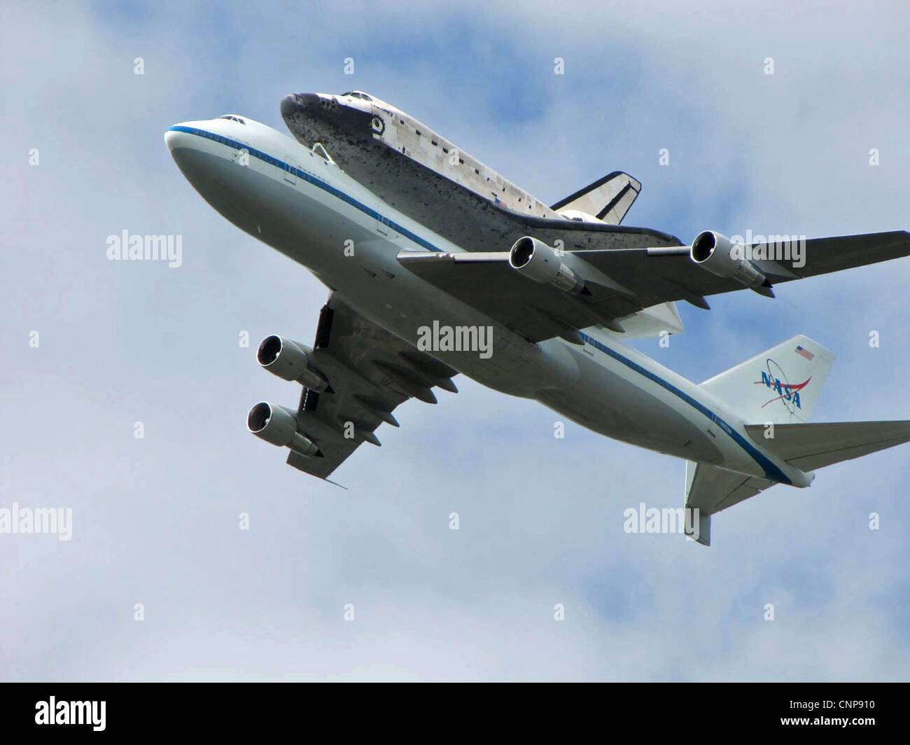 The Shuttle Carrier Aircraft Boeing 747 transporting space ...
