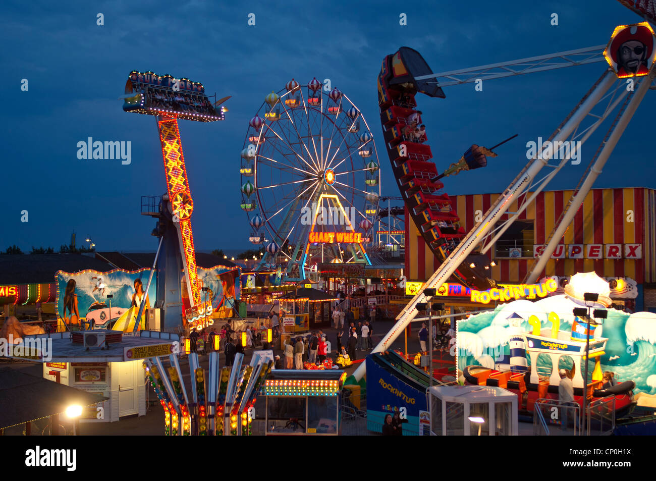 describing funfair I am new at writing a story that suppose to sound scary and spice it up using sensual words i also want to learn how you can describe a setting that.