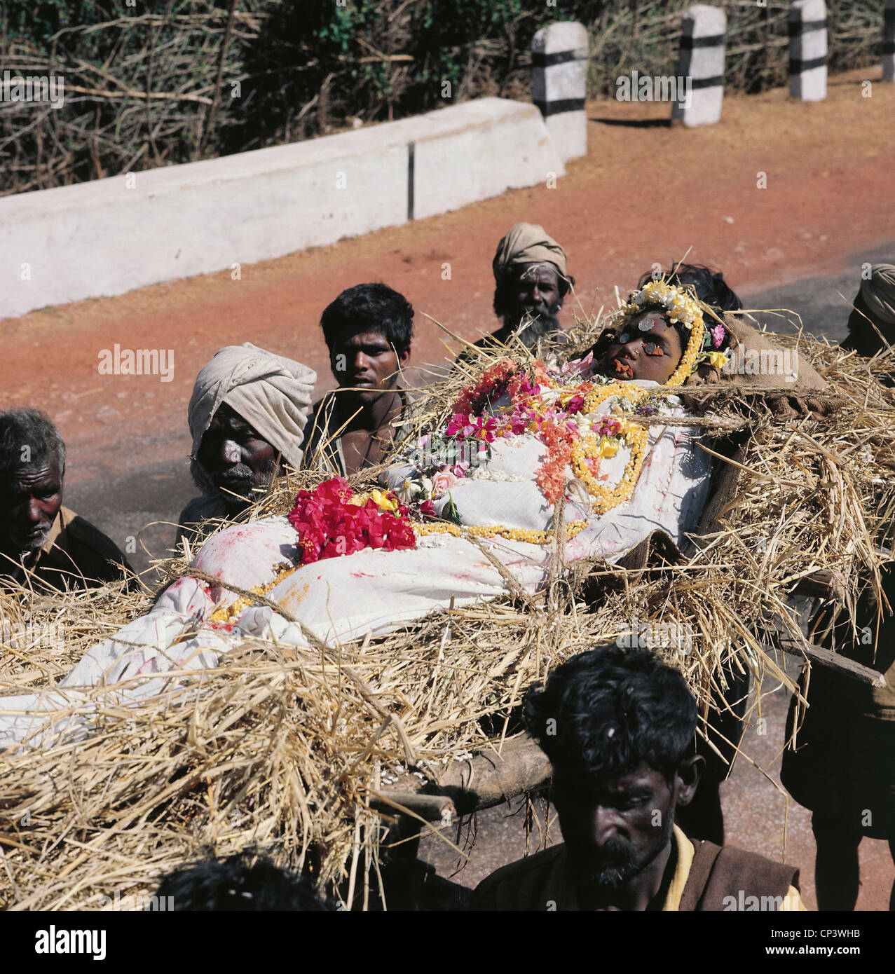 India - Mysore. Hindu funeral (Antyesti): transportation of the ...