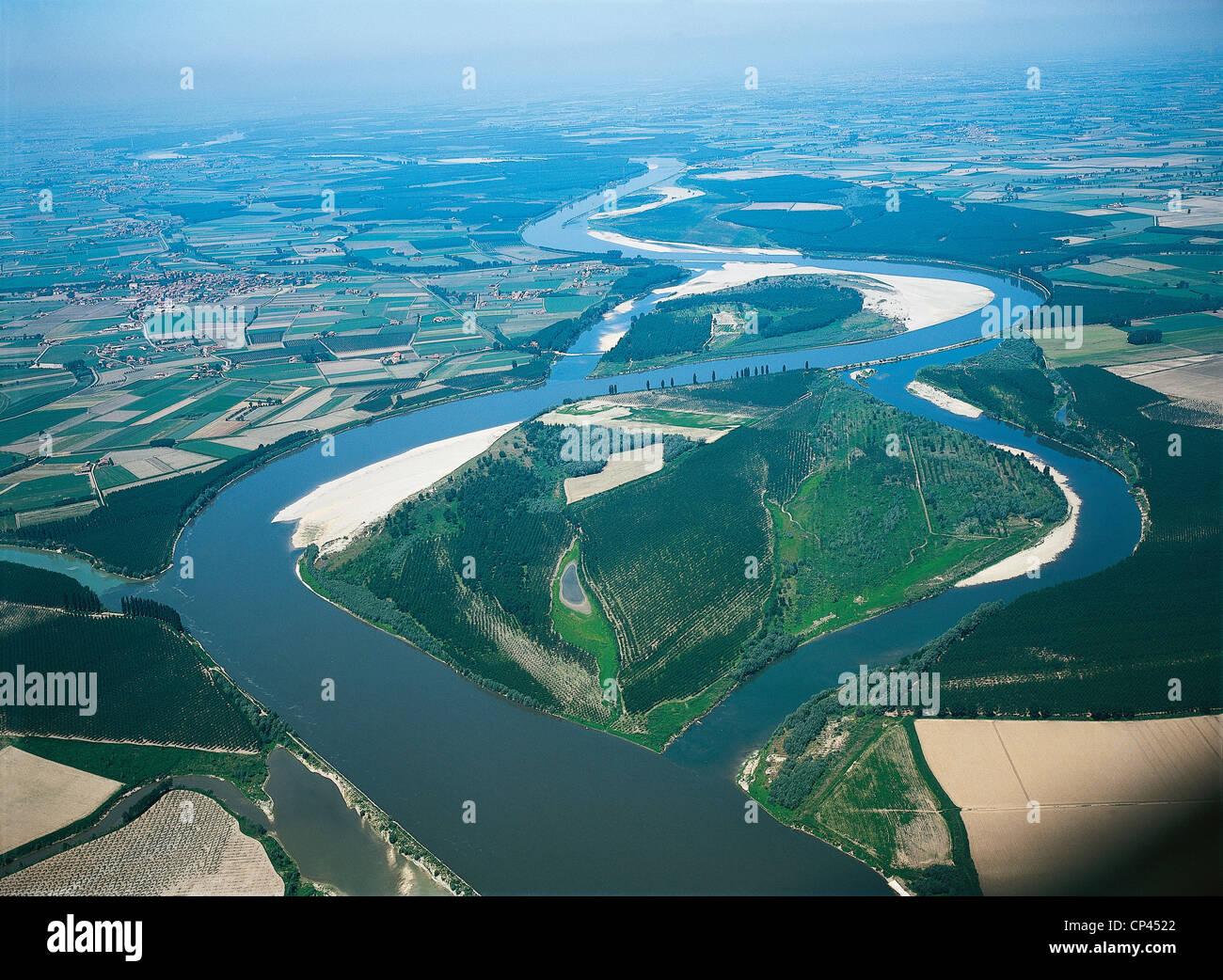 lombardy-po-river-south-of-casalmaggiore